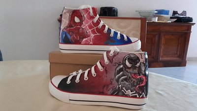 """Scarpe modello tipo Converse a tema """"Spider Man/Venom"""""""