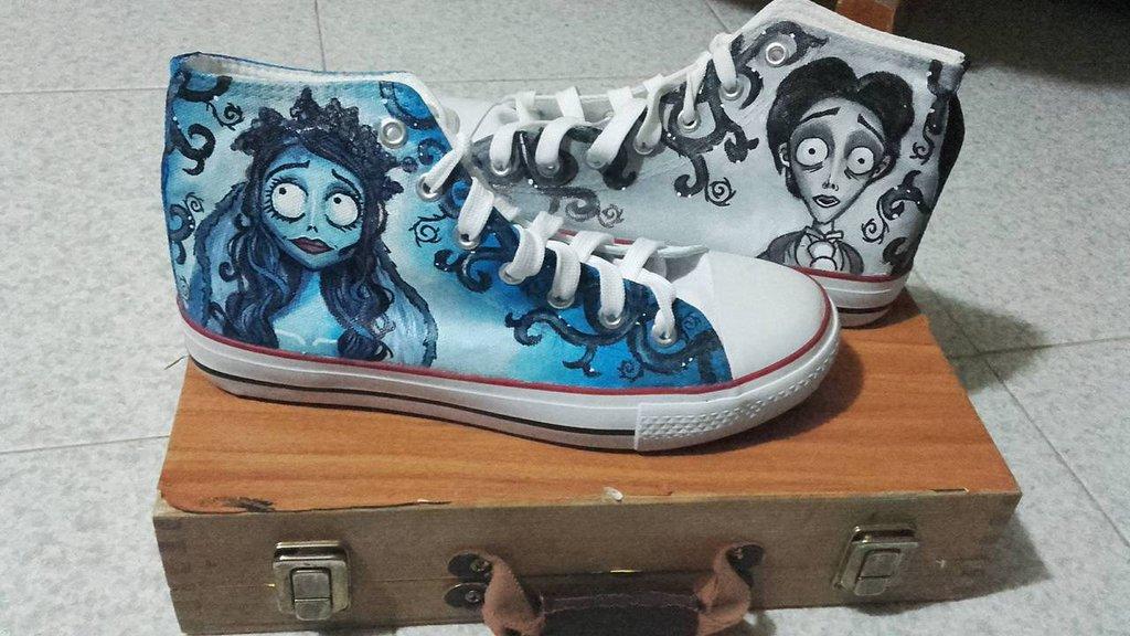 scarpa tipo converse