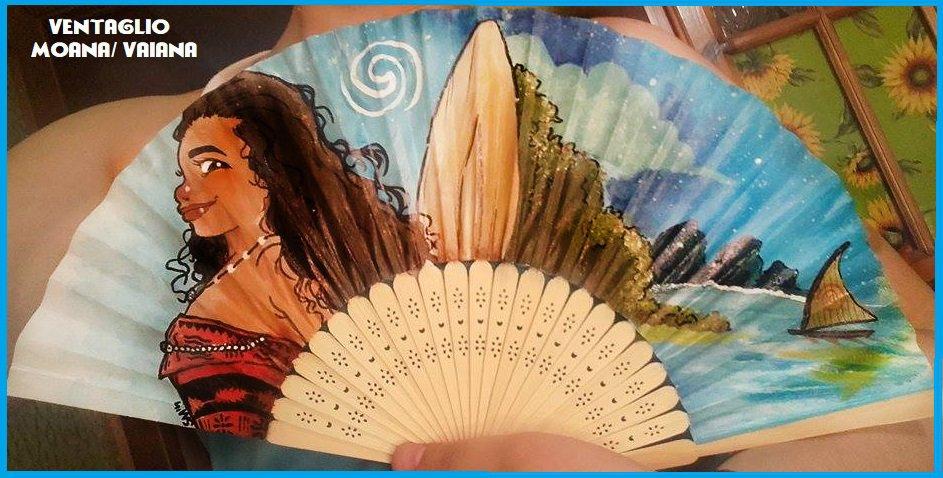 """Ventaglio di carta rinforzata e bambù a tema """"Oceania- Moana"""""""