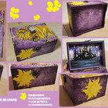 """Scrigno/Porta Gioie/Beauty Case in legno dipinto a mano con acrilici a tema """"Tangled"""""""