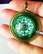 Ciondoli Energetici realizzati in resina