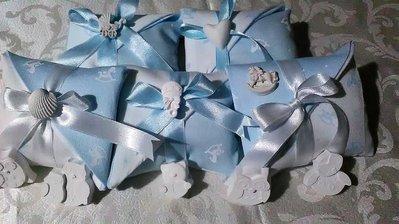 Sacchetttini,sacchetto  bomboniera portaconfetti  per nascita , battesimo, comunione azzurro e rosa con gessetti profumati,
