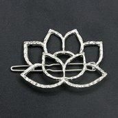 Fermacapelli fiore di loto metallo argentato