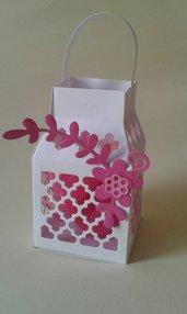Bomboniera comunione lanterna con confetti e farfalla