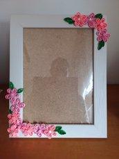 Cornice con fiorellini rosa