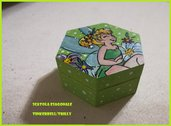 Scatola esagonale dipinta a mano a tema Tinkerbell/Trilly