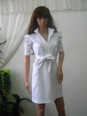 Elegante tunica bianca o mini abito in cotone con elastan