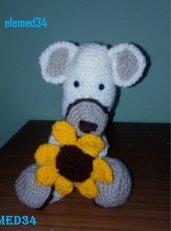 orso con fiore