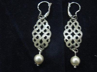 orecchini pendenti traforati