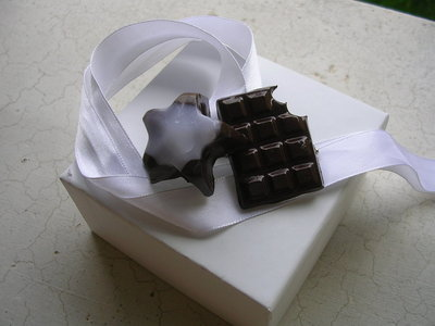 """Spilla cioccolatosa in fimo"""