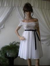 Elegante abito bianco, top in pizzo con elastico, tessuto inferiore.