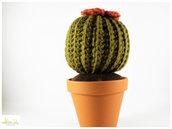 pianta grassa ad uncinetto con fiore color ruggine, pianta grassa amigurumi, vaso 11 cm diametro. misura grandissima