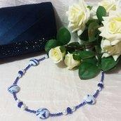 Collana con perle e cristalli bianca e blu
