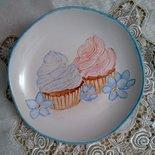 piatto porta caramelle in porcellana dipinto a mano, con soggetti cupcake