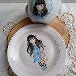 piatto e tazza colazione in porcellana dipinta a mano ,con soggetto gorjuss