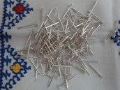 120 chiodini a T testa piatta color argento da 3 cm.