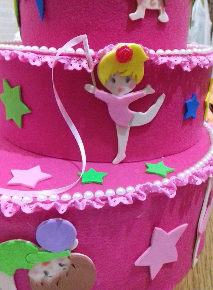 torta finta rivestita di pannolenci e crepla