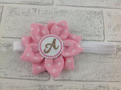 Fascia per capelli Fiore rosa personalizzata con l'iniziale del nome - Bimba Neonata
