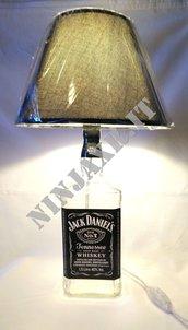 Lampada da tavolo Bottiglia Magnum 1,5 Litri Whiskey Jack Daniel's Daniels furniture bottle lamp arredo riciclo creativo