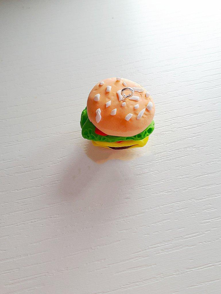 Charm in fimo hamburger fatto a mano