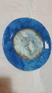 piatto blu con decoupage