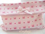 Busta, sacchetto nascita porta cambio, pannolini per bambine, di stoffa rosa con coroncine e cuoricini