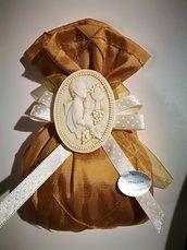Bomboniere comunione bambino bimbo sacchetto bronzo con applicazione medaglione in resina