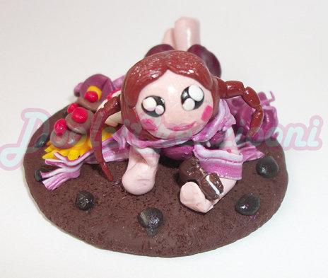 Bambolina porta foto o ferma carte sdraiata nel biscotto!!