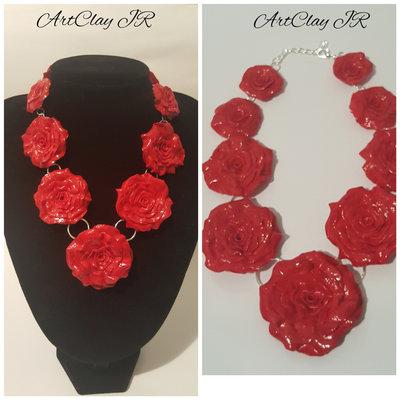 Collana  Rose rosse realizzata a mano in pasta polimerica (fimo)