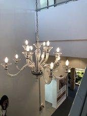 Lampadario, in vetro soffiato di Murano, color trasparente, disponibile con un numero di luci variabile e pezzi di ricambio per lampadari e specchi con pezzi rotti o danneggiati, personalizzati per ciascun esigenza