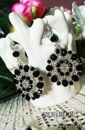 Orecchini cerchio pendenti argento e nero con perline e mezzi cristalli