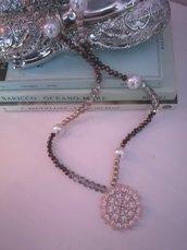 """La collana brillante """"Tocchi di rosa"""""""