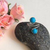Anello wire con filo di rame argentato e pietre dure di turchese blu