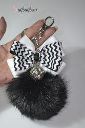 portachiavi donna chiave ciondolo pon pon accessori moda fiocco metallo pom pom