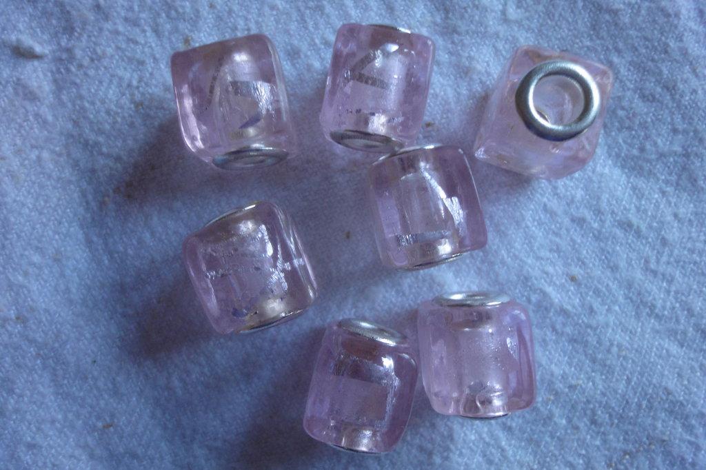 7 Perle Murano vetro rosa foro largo PD cubo 12 mm.