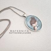 Collana con ciondolo illustrazione Maternità di Fattoconilcuore