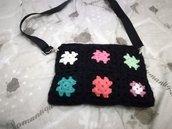Tracolla granny ad uncinetto con struttura in rete, tracolla multicolore, borsa da spalla