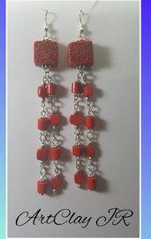 Orecchini pendenti rossi in pasta polimerica dipinti e fatti a mano