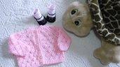 Cardigan e calzine  in lana baby   rosa lavorato a mano bambina 3 mesi