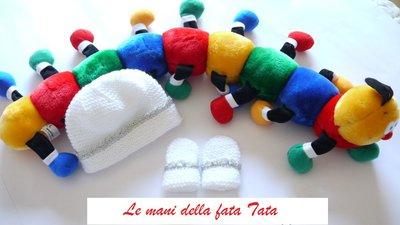 Guanti e cappello completo in lana bianco e filato argento fatto a mano