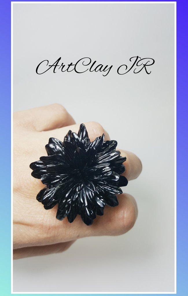 Anello fiore nero in pasta polimerica(fimo) fatto a mano