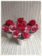 Vasetto di roselline rosse – Sara Susan Couture