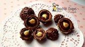 Cioccolatino con nocciola rocher con effetti realistici fatto a mano senza stampi pendente ciondolo