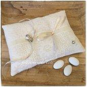 Cuscino per fedi in lino bianco avorio con pizzo B