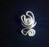 """Anello wire alluminio argentato con spirale: """"l'abbraccio"""""""