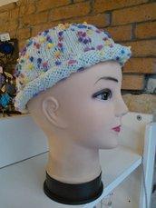 Cappello in lana misura larga, celeste con pallini in vari colori
