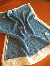 Originale copertina primaverile per neonato realizzata con fettuccia e lana baby