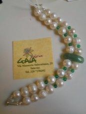 Bracciale a due fili in perle ed avventurina con palline in agata verde, chiusura a calamita