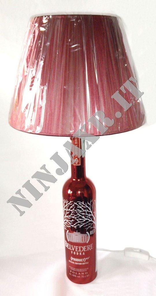 Lampada Bottiglia da tavolo vuota Vodka BELVEDERE Red Edition idea regalo riciclo creativo riuso arredo