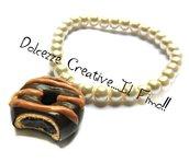 Bracciale di perle bianche con ciambella - Donut glassato e ripieno di cioccolato - idea regalo kawaii